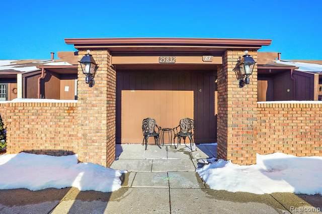 25832 Lexington Drive #3, South Lyon, MI 48178 (MLS #R2210010035) :: Berkshire Hathaway HomeServices Snyder & Company, Realtors®