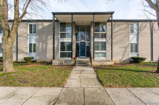 4030 W 13 Mile Rd Apt C2, Royal Oak, MI 48073 (MLS #R2210012513) :: Berkshire Hathaway HomeServices Snyder & Company, Realtors®
