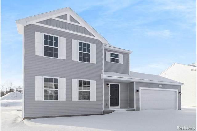 1042 Kemperwood, Howell, MI 48843 (MLS #R2210012528) :: Berkshire Hathaway HomeServices Snyder & Company, Realtors®