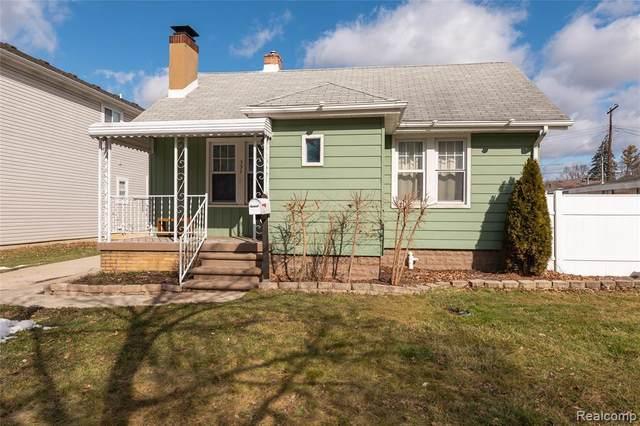 337 Roth Boulevard, Clawson, MI 48017 (MLS #R2210013142) :: Berkshire Hathaway HomeServices Snyder & Company, Realtors®