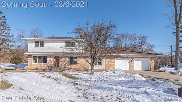 174 Henderson Road, Howell, MI 48855 (MLS #R2210013465) :: Berkshire Hathaway HomeServices Snyder & Company, Realtors®