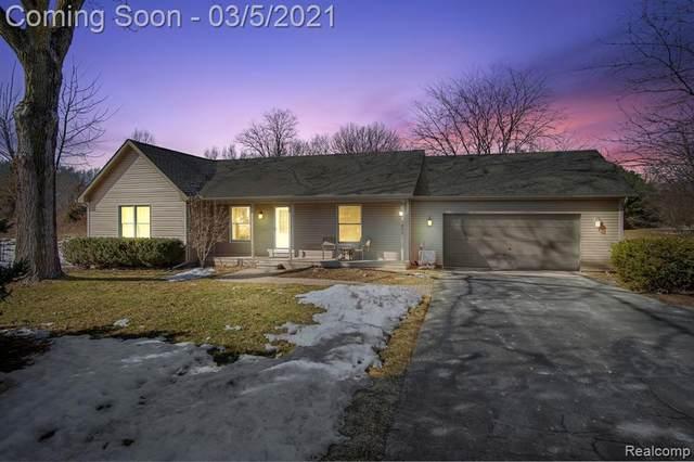 4960 Sierra Drive, Howell, MI 48843 (MLS #R2210013759) :: Berkshire Hathaway HomeServices Snyder & Company, Realtors®