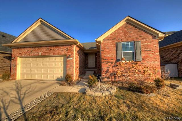 2585 Knollwood Drive, Canton, MI 48188 (MLS #R2210014114) :: Berkshire Hathaway HomeServices Snyder & Company, Realtors®