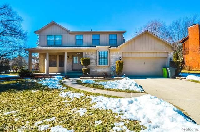 5292 New, West Bloomfield, MI 48323 (MLS #R2210014481) :: Berkshire Hathaway HomeServices Snyder & Company, Realtors®