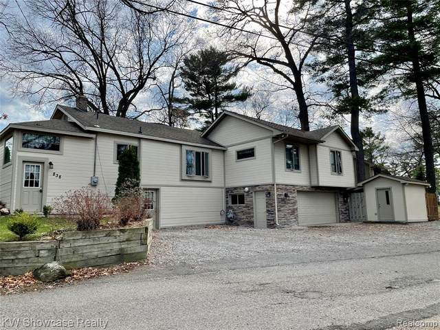 838 Pine Tree Road W, Lake Orion, MI 48362 (MLS #R2210023770) :: Berkshire Hathaway HomeServices Snyder & Company, Realtors®