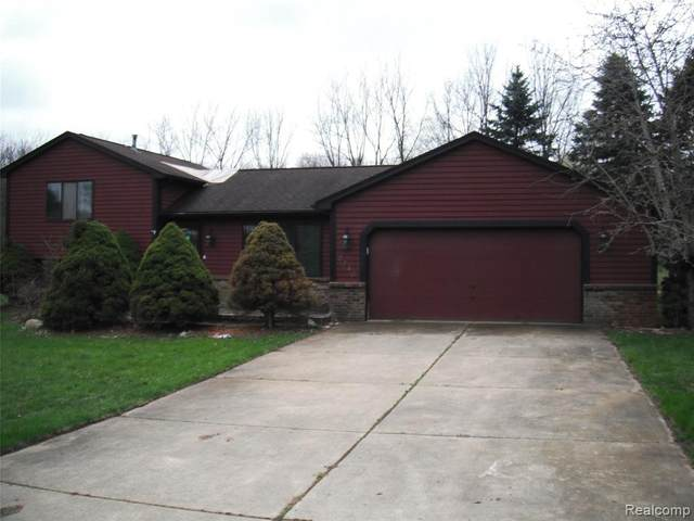 2240 Sherlock Trail, Highland, MI 48356 (MLS #R2210025150) :: Berkshire Hathaway HomeServices Snyder & Company, Realtors®