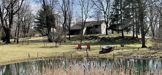 1400 Valley View Lane, Milford, MI 48381 (MLS #R2210026139) :: Berkshire Hathaway HomeServices Snyder & Company, Realtors®