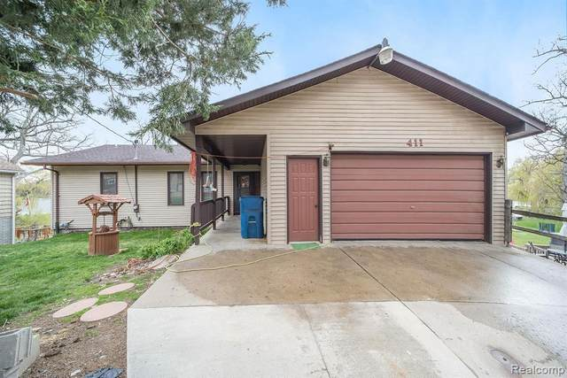 411 Hillwood Road, White Lake, MI 48383 (MLS #R2210026201) :: Berkshire Hathaway HomeServices Snyder & Company, Realtors®