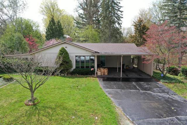 714 Country Club Lane, Flint, MI 48507 (MLS #R2210026463) :: Berkshire Hathaway HomeServices Snyder & Company, Realtors®