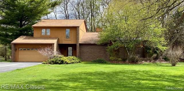 1565 Michael, Milford, MI 48381 (MLS #R2210026713) :: Berkshire Hathaway HomeServices Snyder & Company, Realtors®