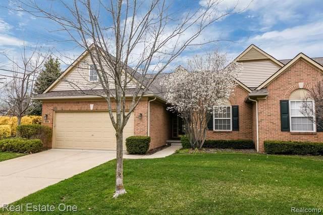 8248 Springdale Drive, White Lake, MI 48386 (MLS #R2210027067) :: Berkshire Hathaway HomeServices Snyder & Company, Realtors®