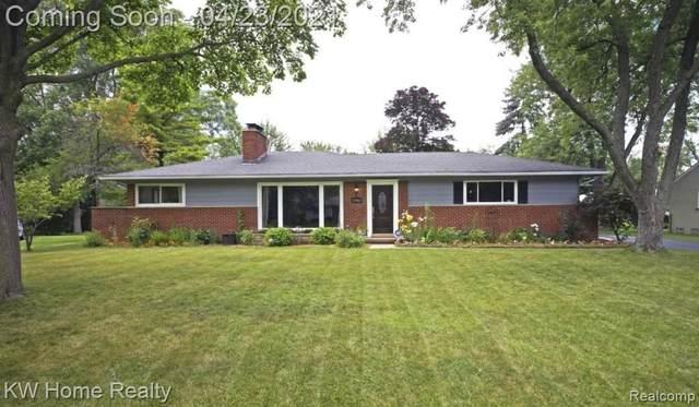 31902 Bella Vista Drive, Farmington Hills, MI 48334 (MLS #R2210027639) :: Berkshire Hathaway HomeServices Snyder & Company, Realtors®