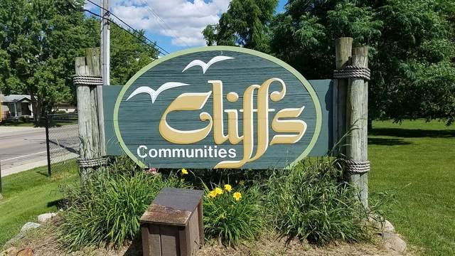 804 Cliffs Drive #106, Ypsilanti, MI 48198 (MLS #3272568) :: The Toth Team
