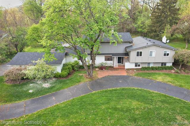 6764 W Knollwood, West Bloomfield, MI 48322 (MLS #R2210032829) :: Berkshire Hathaway HomeServices Snyder & Company, Realtors®