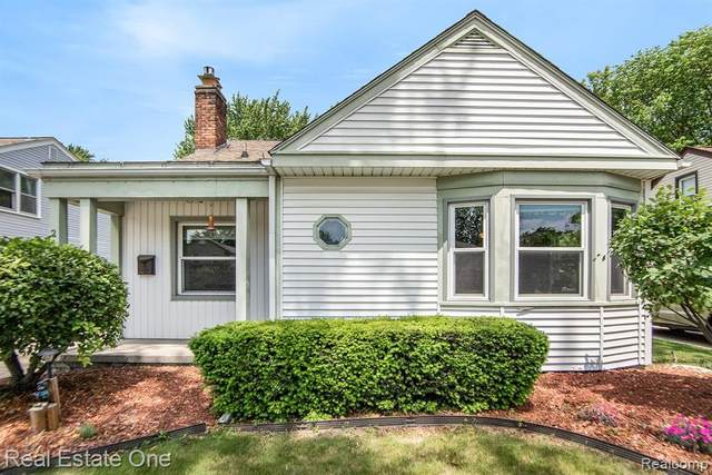 21815 California St, Macomb, MI 48080 (MLS #R2210043485) :: Berkshire Hathaway HomeServices Snyder & Company, Realtors®