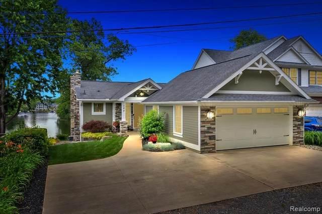 584 Cushing Street, Lake Orion, MI 48362 (MLS #R2210050598) :: Berkshire Hathaway HomeServices Snyder & Company, Realtors®