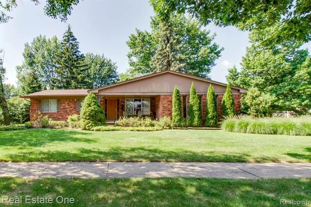 4691 Chapel Drive, Troy, MI 48085 (MLS #R2210068538) :: Berkshire Hathaway HomeServices Snyder & Company, Realtors®