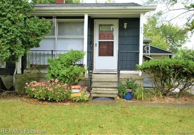 604 Carbeck Drive, Ann Arbor, MI 48103 (MLS #R2210070628) :: Berkshire Hathaway HomeServices Snyder & Company, Realtors®