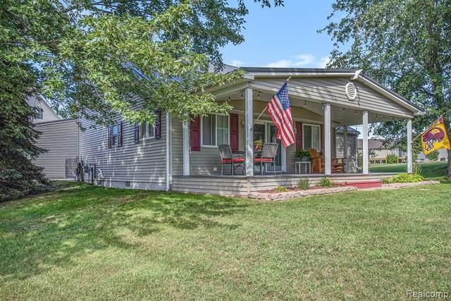 1035 Isabella Vista Dr, Weidman, MI 48893 (MLS #R2210073331) :: Berkshire Hathaway HomeServices Snyder & Company, Realtors®