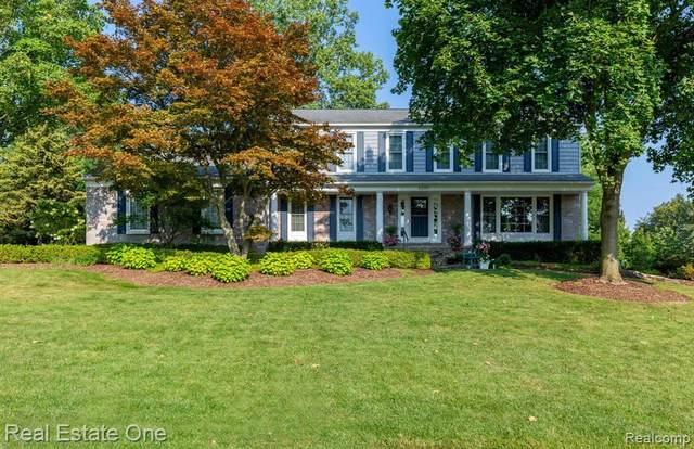4205 Barcroft Way, West Bloomfield, MI 48323 (MLS #R2210075399) :: Berkshire Hathaway HomeServices Snyder & Company, Realtors®