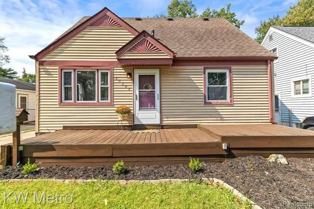 23329 Cayuga Avenue, Hazel Park, MI 48030 (MLS #R2210076519) :: Berkshire Hathaway HomeServices Snyder & Company, Realtors®