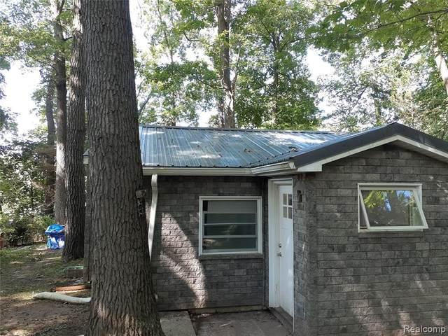 1718 Hayes Avenue, Ortonville, MI 48462 (MLS #R2210078492) :: Berkshire Hathaway HomeServices Snyder & Company, Realtors®
