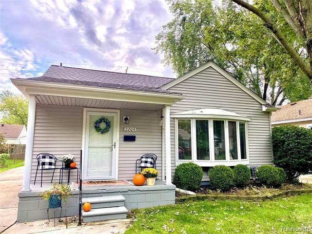 2204 Dallas Avenue, Royal Oak, MI 48067 (MLS #R2210078101) :: Berkshire Hathaway HomeServices Snyder & Company, Realtors®