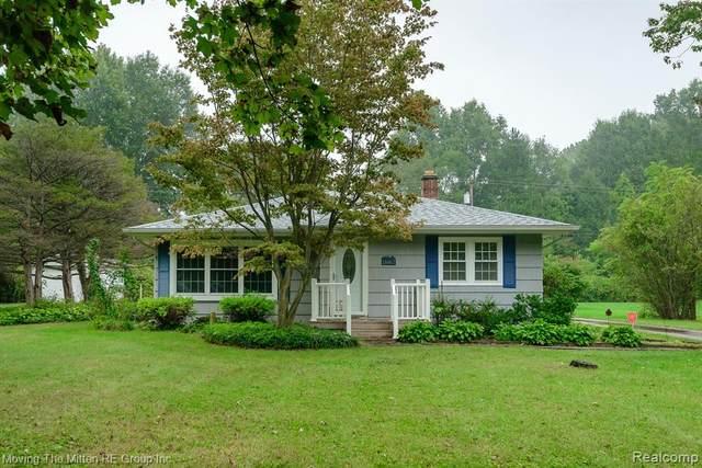 16867 Renton Road, Belleville, MI 48111 (MLS #R2210078642) :: Berkshire Hathaway HomeServices Snyder & Company, Realtors®