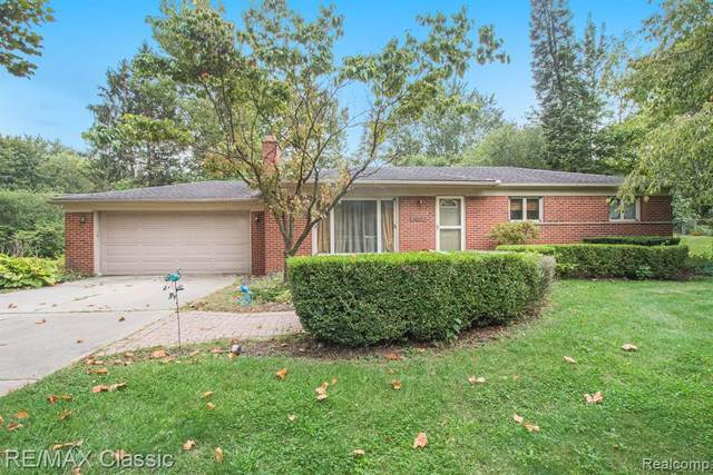 32717 Hearthstone Road, Farmington Hills, MI 48334 (MLS #R2210080007) :: Berkshire Hathaway HomeServices Snyder & Company, Realtors®