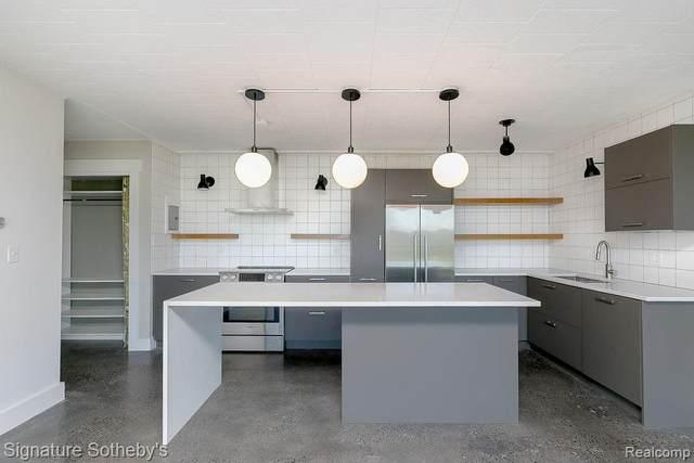 8300 E Jefferson Avenue #408, Detroit, MI 48214 (MLS #R2210082482) :: Berkshire Hathaway HomeServices Snyder & Company, Realtors®