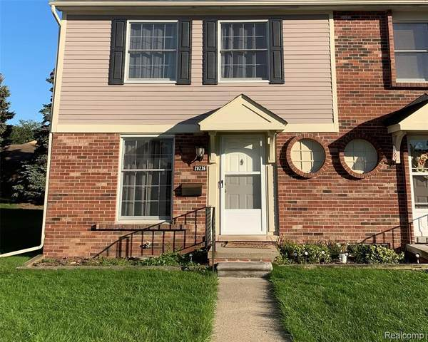 20236 Great Oaks Circle S, Clinton Township, MI 48036 (MLS #R2210077243) :: Berkshire Hathaway HomeServices Snyder & Company, Realtors®