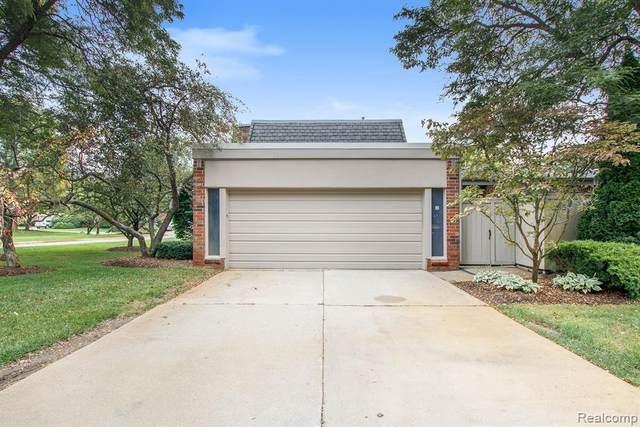 985 Stratford Lane, Bloomfield Hills, MI 48304 (MLS #R2210084920) :: Berkshire Hathaway HomeServices Snyder & Company, Realtors®