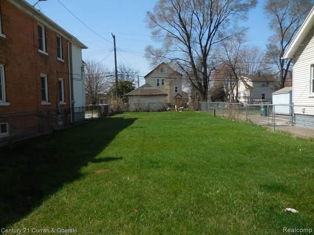 1715 Salina, Dearborn, MI 48120 (MLS #R215035571) :: Berkshire Hathaway HomeServices Snyder & Company, Realtors®