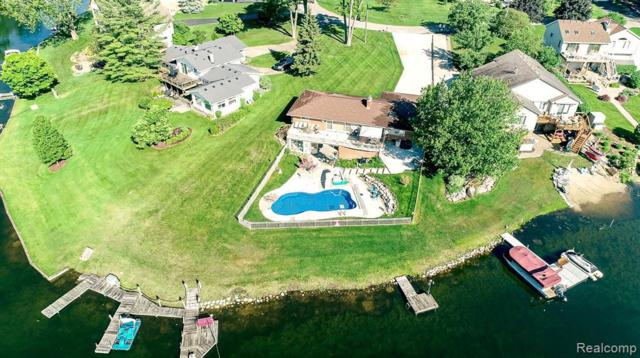 9933 Burgess Crt, White Lake, MI 48386 (MLS #R219056067) :: Berkshire Hathaway HomeServices Snyder & Company, Realtors®