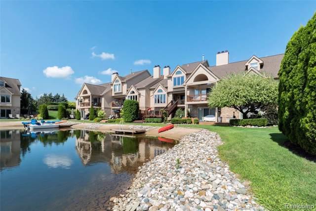 18182 Blue Heron Pointe Dr W, Northville, MI 48168 (MLS #R219079431) :: Berkshire Hathaway HomeServices Snyder & Company, Realtors®