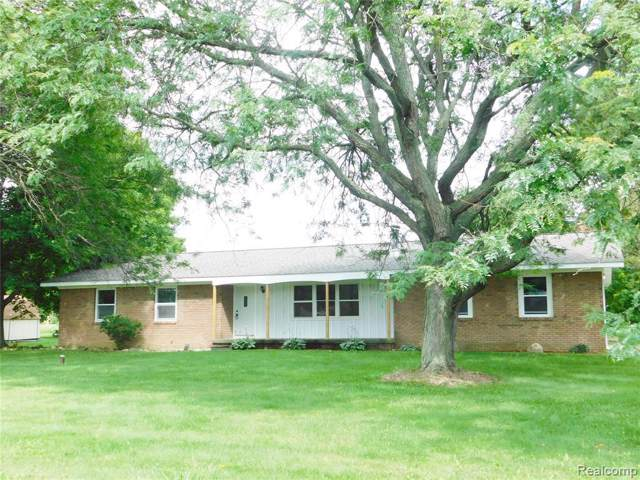 274 Fowlerville Rd, Fowlerville, MI 48836 (MLS #R219080018) :: The Toth Team