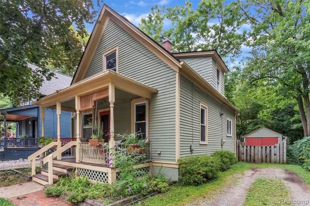 211 Murray Ave, Ann Arbor, MI 48103 (MLS #R219091336) :: Berkshire Hathaway HomeServices Snyder & Company, Realtors®