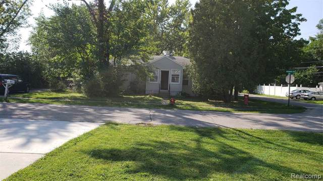 102 Vermont Dr, Troy, MI 48083 (MLS #R219097313) :: Berkshire Hathaway HomeServices Snyder & Company, Realtors®