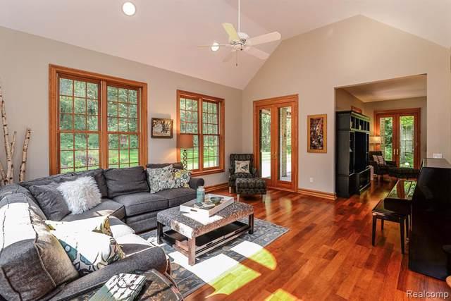 8510 Oak Ridge Trl, Dexter, MI 48130 (MLS #R219112188) :: Berkshire Hathaway HomeServices Snyder & Company, Realtors®