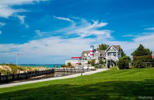 38 Skippers Woods Sub, Glen Arbor, MI 49636 (MLS #R219118354) :: Berkshire Hathaway HomeServices Snyder & Company, Realtors®