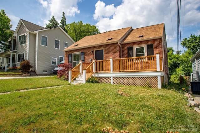 504 Berkley Avenue, Ann Arbor, MI 48103 (MLS #3281361) :: Berkshire Hathaway HomeServices Snyder & Company, Realtors®