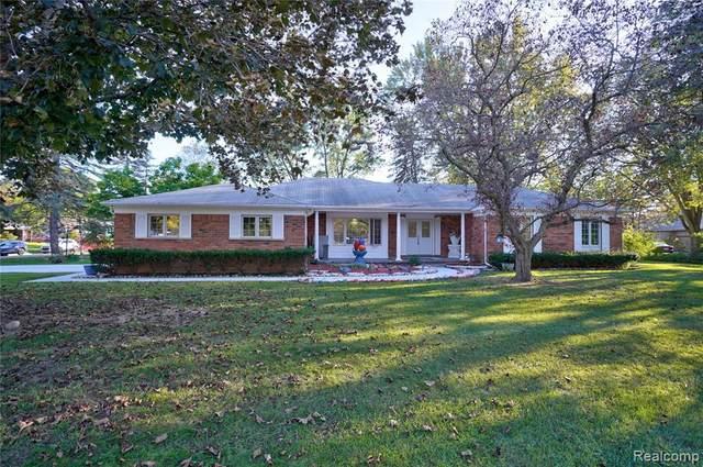 429 Bella Vista Drive, Grand Blanc, MI 48439 (MLS #R2210075024) :: Berkshire Hathaway HomeServices Snyder & Company, Realtors®