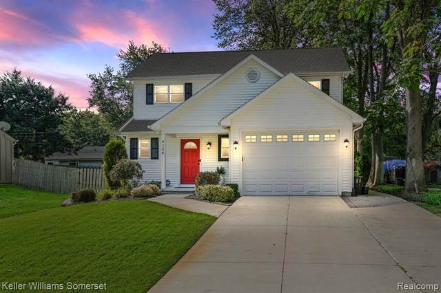 4126 Middledale Avenue, West Bloomfield, MI 48323 (MLS #R2210081665) :: Berkshire Hathaway HomeServices Snyder & Company, Realtors®