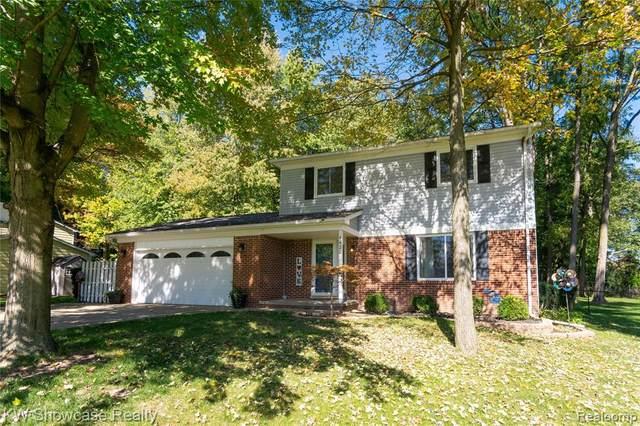 4428 Fenmore Avenue, Waterford, MI 48328 (MLS #R2210082423) :: Berkshire Hathaway HomeServices Snyder & Company, Realtors®