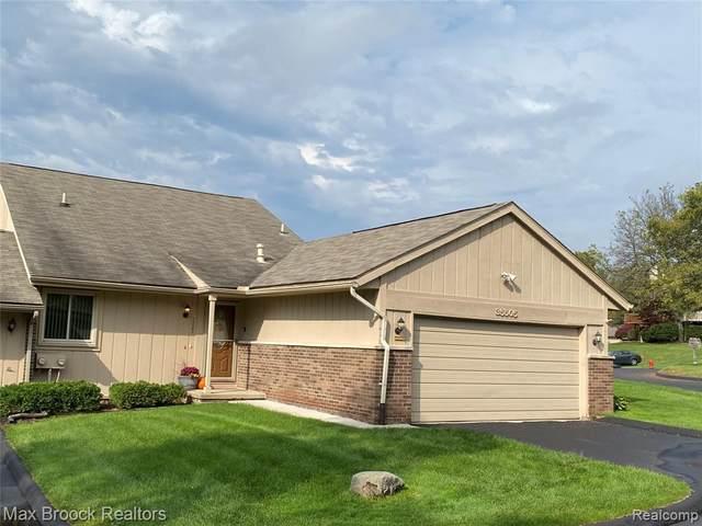 35505 Heritage Lane, Farmington, MI 48335 (MLS #R2210084093) :: Berkshire Hathaway HomeServices Snyder & Company, Realtors®