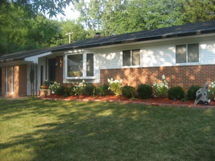 2310 Hilldale, Ann Arbor, MI 48105 (MLS #3212197) :: The Toth Team