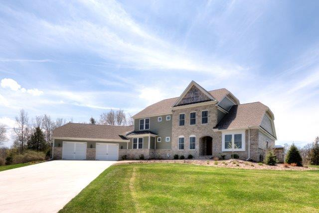 6384 Thompson Pond Drive, Whitmore Lake, MI 48189 (MLS #3212432) :: The Toth Team