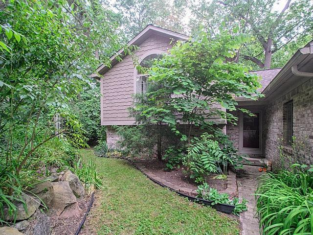 3240 Old Hickory Place, Ann Arbor, MI 48104 (MLS #3249734) :: The Toth Team