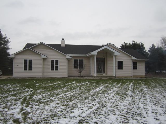 5521 Oak Grove, Howell, MI 48855 (MLS #3261639) :: Berkshire Hathaway HomeServices Snyder & Company, Realtors®