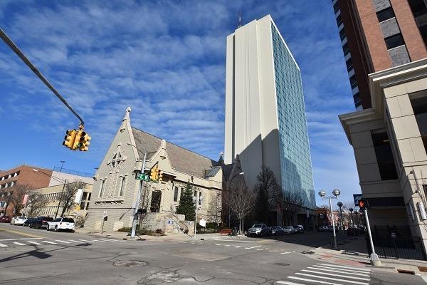 555 E William Street 8J, Ann Arbor, MI 48104 (MLS #3266462) :: Berkshire Hathaway HomeServices Snyder & Company, Realtors®